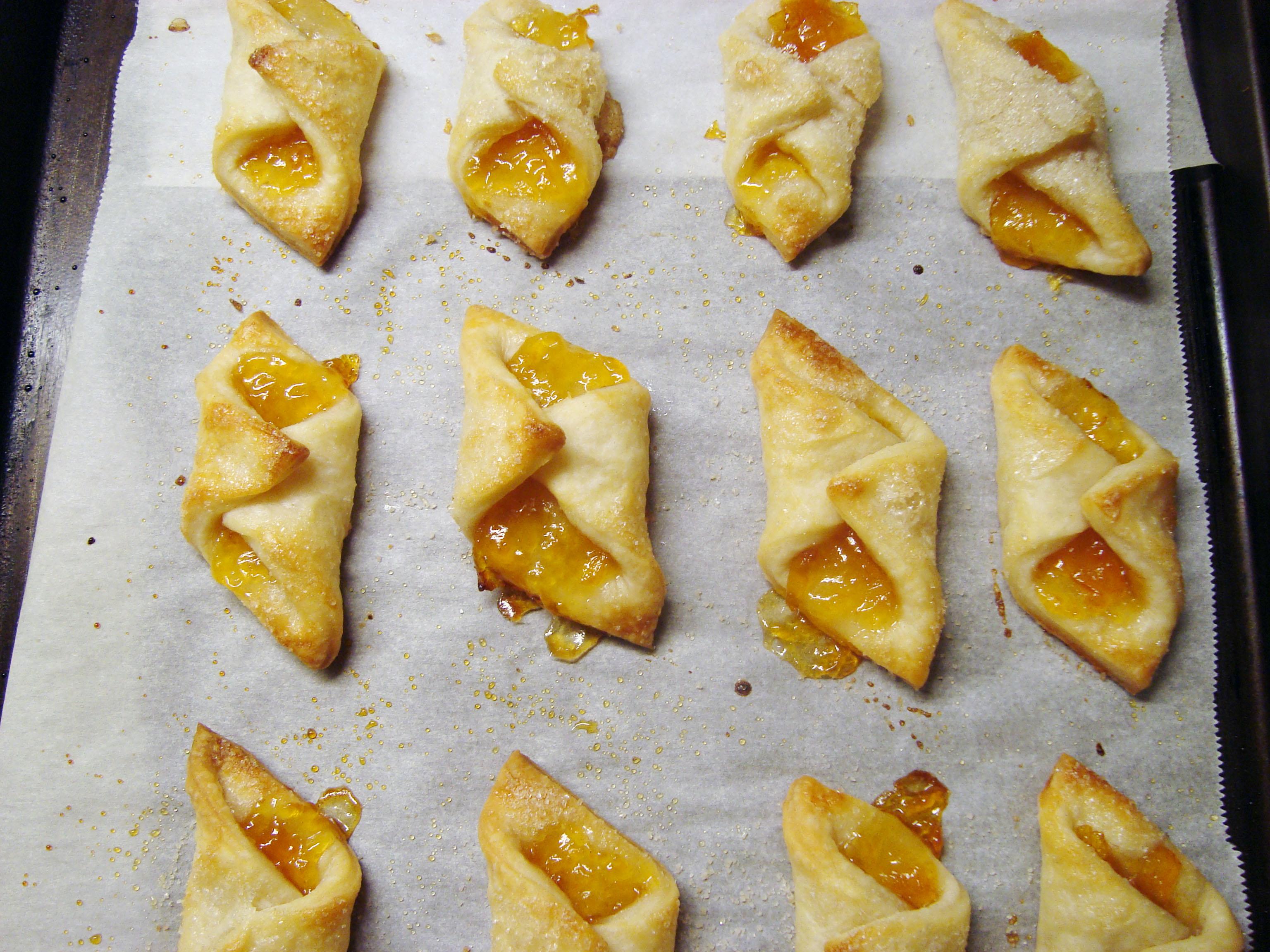 Блюда из слоеного теста рецепты простые и вкусные